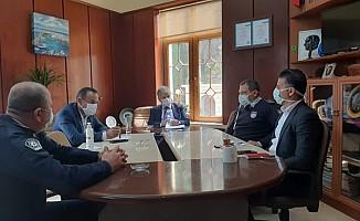 Pilli, Lapta Belediyesi'nde toplantı gerçekleştirdi