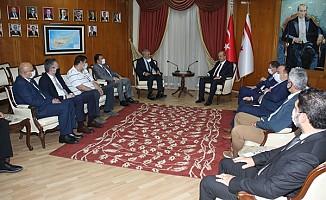 Kıbrıs Üniversiteler Birliği yetkilileri, Tatar'ı ziyaret etti