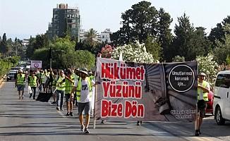 Esnaf Girne'den Lefkoşa'ya yürüyüş başlattı...