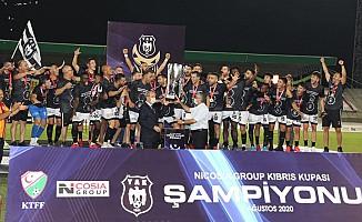 Yenicami, Kıbrıs Kupası şampiyonu oldu