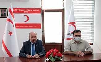 Başbakan'dan Kızılay ziyareti...