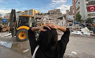 İzmir'deki depremde 25 can kaybı, 804 yaralı