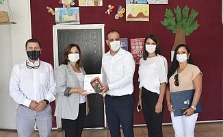 LTB Okullara 200 tablet dağıttı