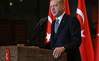 Erdoğan: Mehmetçiğimizi size yedirtmeyiz