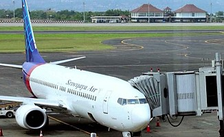 Endonezya'da bir yolcu uçağı kayboldu...
