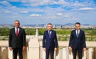 Çavuşoğlu, Oktay ve Pakdemirli ile görüştü