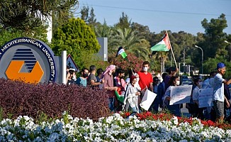 DAÜ'de Filistinli öğrenciler İsrail saldırılarını kınadı