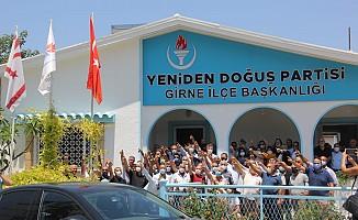 Yeniden Doğuş Partisine 132 yeni üye katıldı.