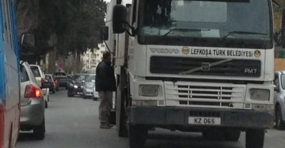 TRAFİĞİ FELÇ ETTİ!