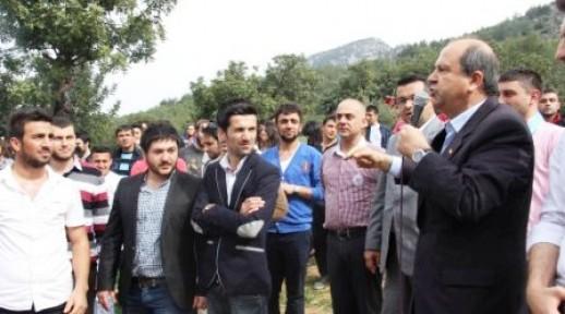 """""""TÜRK BAYRAĞI YAKANLARIN ELLERİ KIRILSIN"""""""