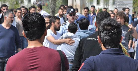YDÜ'LÜ ÖĞRENCİLER POLİSİ DARP ETMİŞ!